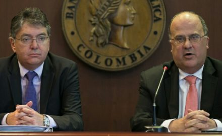Finance Minister Mario Cardenas and Central Bank head José Dario Uribe