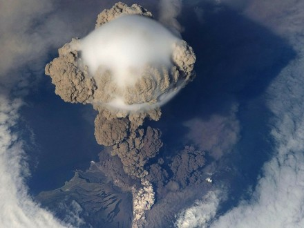 volcanic eruption photo courtesy of Wikilmages - Pixabay