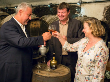 Photo: Hernan Parra, the master distiller of Dictator, celebrates the 2 Masters alliance with Mickaël Bouilly, cellar master of Hardy Cognac), and Bénédicte Hardy, owner of Hardy Cognac. (Credit: Dictador)