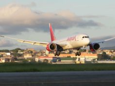 Avianca's Boeing 787 Plus taking off