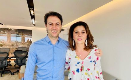 Today, Medellín Mayor Daniel Quintero (above left) announced the appointment of Eleonora Betancur González (above, right) as the new executive director of ACI Medellín, the city's investment promotion agency.