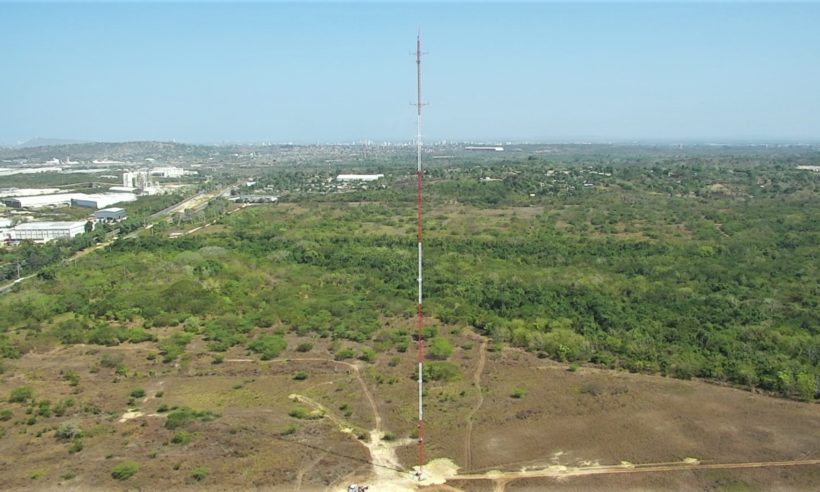 The measurements are carried out by means of a 150-meter-high meteorological tower that was installed in a lot near the oil producer's Cartagena refinery.