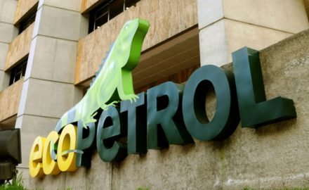 Above photo: «Ecopetrol» de Dvalencia – Own work, used under license CC BY-SA 3.0 vía Wikimedia Commons - https://commons.wikimedia.org/wiki/File:Ecopetrol.jpg#/media/File:Ecopetrol.jpg