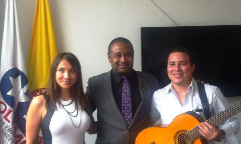 Finance Colombia editor Loren Moss with publicist Liliana Torres Rios (left), and Vallenato artist Beimar Toledo in the offices of the Consejo de Empresas Americanas